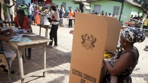 People cast their votes in presidential and parliamentary elections at a polling station in Tesano, Accra, Ghana. Photo: AP