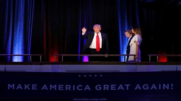 U.S. President elect Donald Trump arrives to address supporters with his son Barron and wife Melania  at election night rally in Manhattan, New York, U.S., November 9, 2016. REUTERS/Brendan McDermid