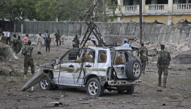Bomb blast kills 4 in northeast Kenya