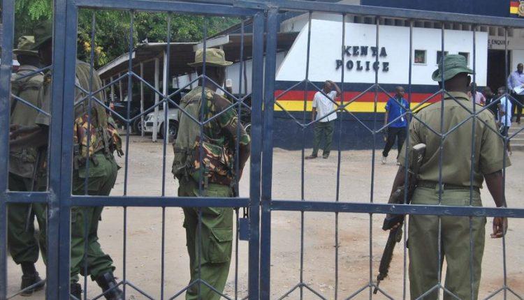 Four Kenyan police, civilian killed by roadside bomb