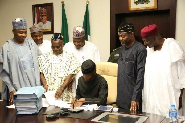Nigeria's Vice President Osinbajo signs 2017 budget