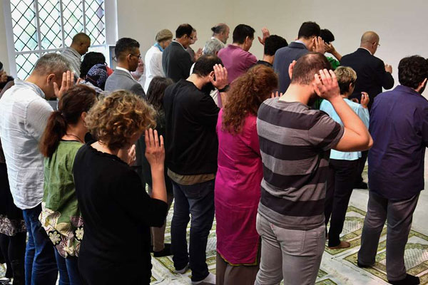 Liberal mosque opens in Germany as women pray alongside men