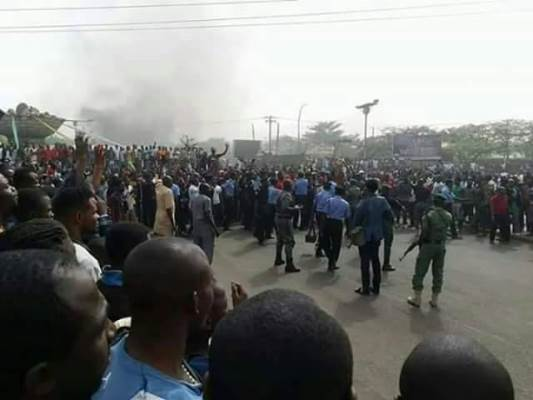 Police placate protesting youths in a Nigerian state after attacks carried out by herdsmen. File Photo: NAN