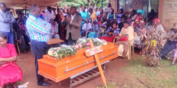 Burial of the kidnapper-grandmother, who had been shot dead by police. Source: Tuko Kenya.