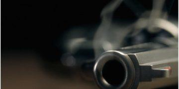 man shoots lover dead