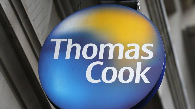 Thomas Cook removes guests from Egyptian hotel following two deaths