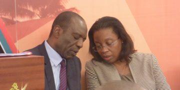 Prime Minister Carlos Agostinho do Rosário and Deputy Finance Minister Maria Isaltina Lucas (R) at a briefing