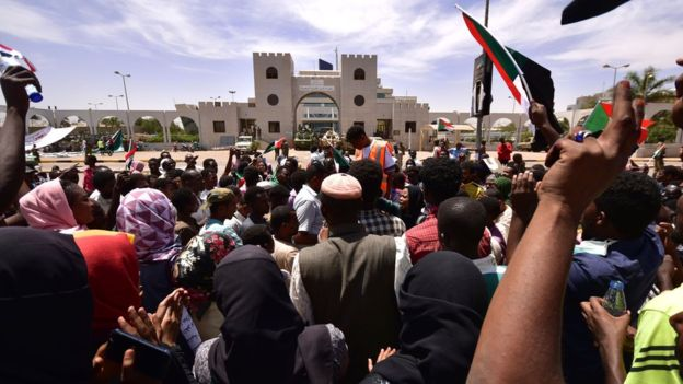 Protesters show no signs of quitting their sit-in outside the army complex. Photo: AFP