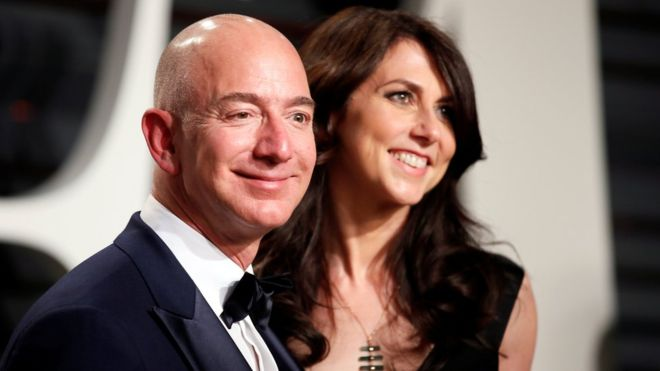 Jeff Bezos, and his wife MacKenzie have agreed to the world's most expensive divorce. Photo: Reuters