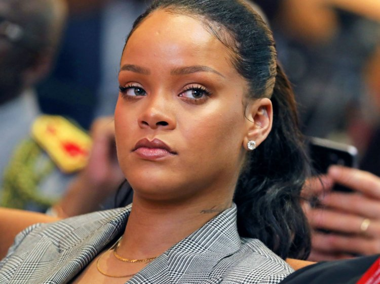 Rihanna sudan protesters