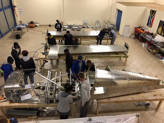 Teenagers from South Africa build plane