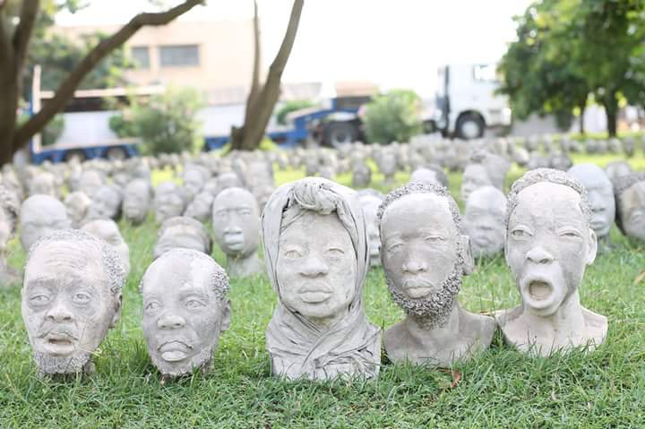 The Ghanaian sculpture creating portraits of the useless 3