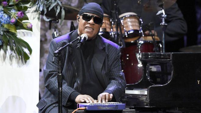 Stevie wonder to move to Ghana