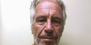 Jeffery Epstein commits suicide
