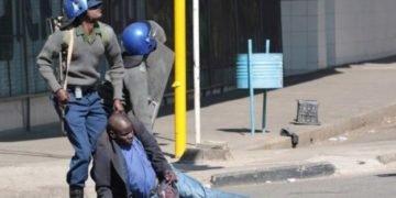 Zimbabwe protesters clash with police