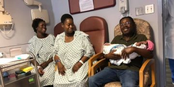 Two sisters give birth same day