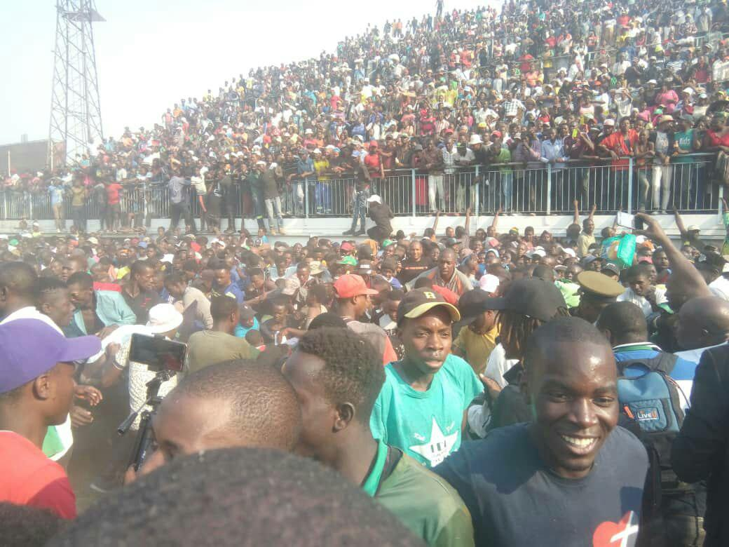 Stampede at Mugabe viewing