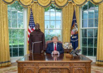 Kenyan teacher Peter Tabichi meets trump