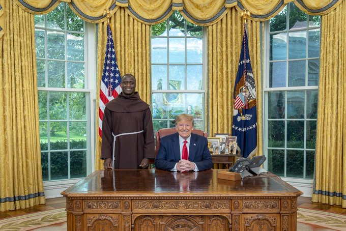 Kenyan teacher Peter Tabichi meets trump