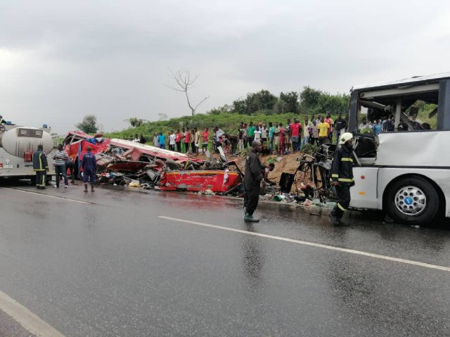 Road crash in Ghana kills 34