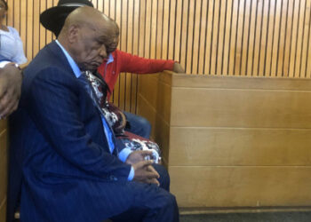 Lesotho PM Tom Thabane (foreground) appears in the Maseru magistrates court accompanied by his wife Lesotho First Lady Maesiah Thabane. Photo: Picture: Nthakoana Ngatane/EWN