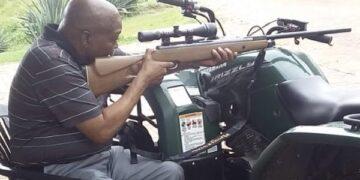 Jacob Zuma with gun