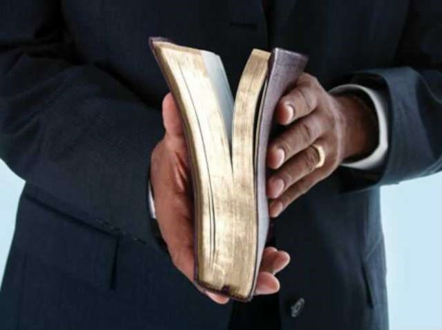 Pastor killed separating fighting couple